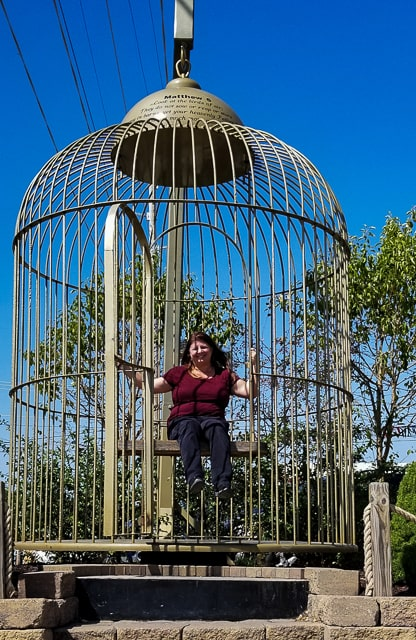 Small rural Town - Big birdcage in Casey
