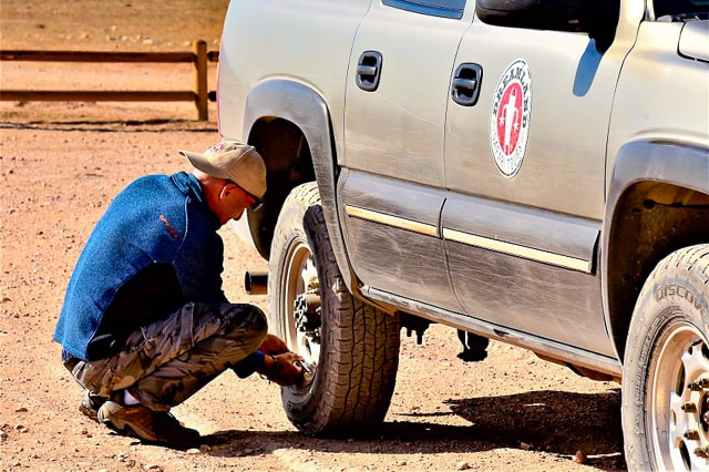 utah arizona border tire check