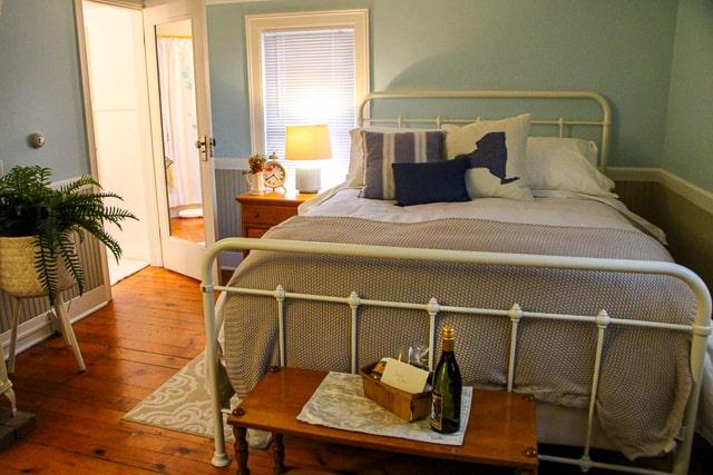Laurentide bedroom BY ST JOHN