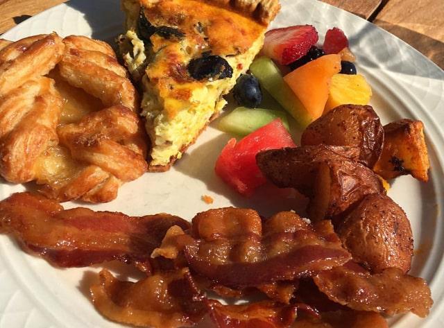 Breakfast at Emerson Inn