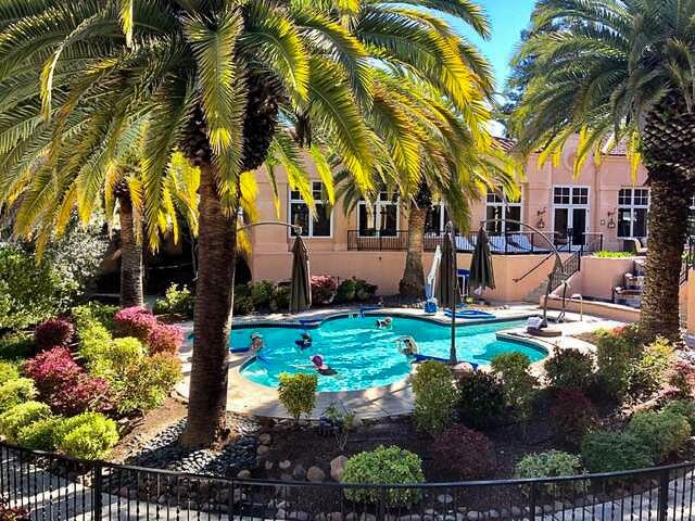 Fairmont Sonoma Willow Creek Spa Pool