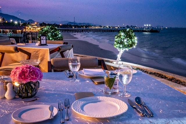 Hilton Hua Hin Resort - Beachside Dining