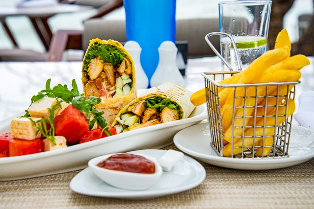 Hilton Hua Hin Resort - poolside lunch