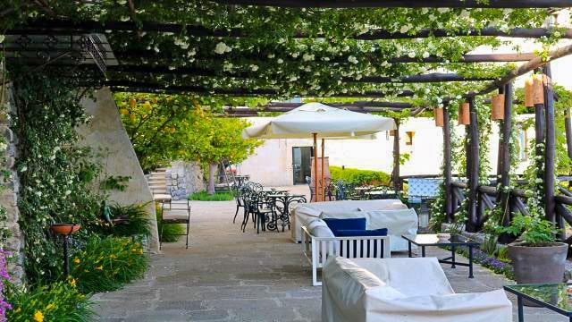 Monastero patio and bar