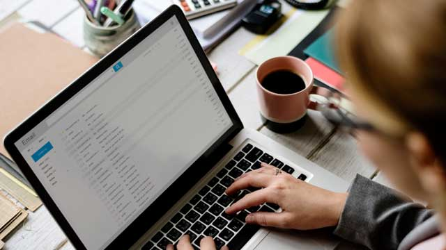 Using the Subject Line To Make Your Pitch Stand Out